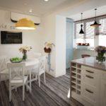 Bucătărie combinată cu un balcon în stil Provence