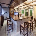 Bucătărie cu blat de bar pe loggia