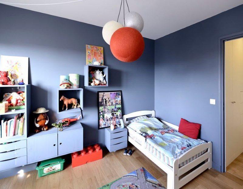 Fond d'écran pour peindre dans une chambre bleue pour deux garçons