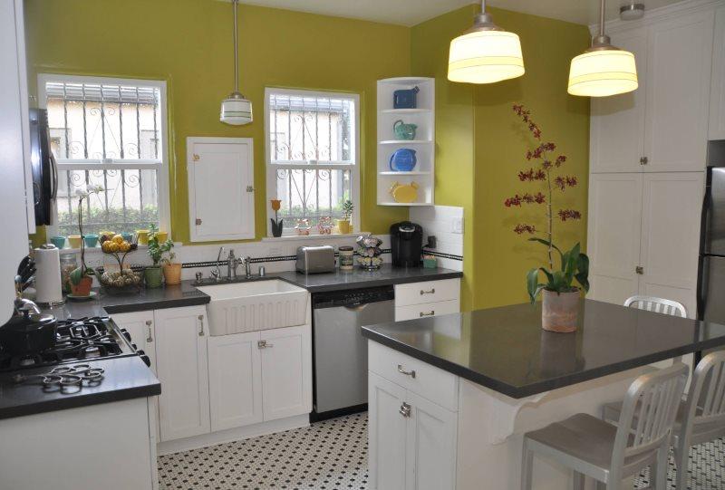 Perete de măsline de 9 mp în bucătărie