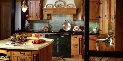 Bucătărie simplă și discretă din materiale naturale