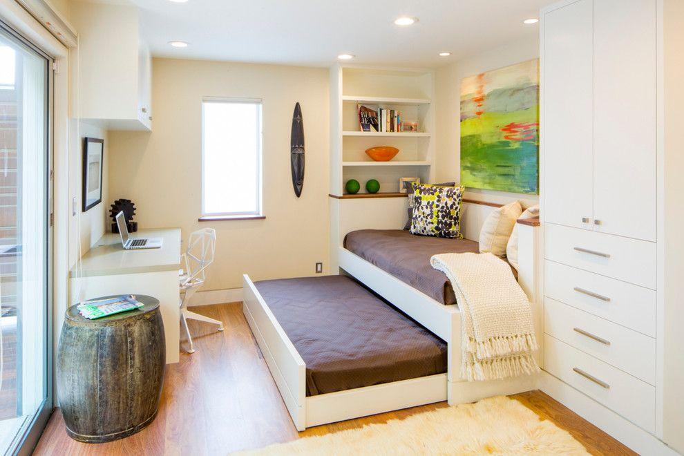 Canapé-lit gigogne dans la chambre des enfants