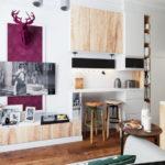 Décorer un salon moderne avec des peintures