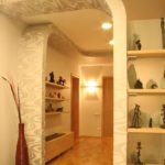 Conceptions de plaques de plâtre dans le décor du couloir
