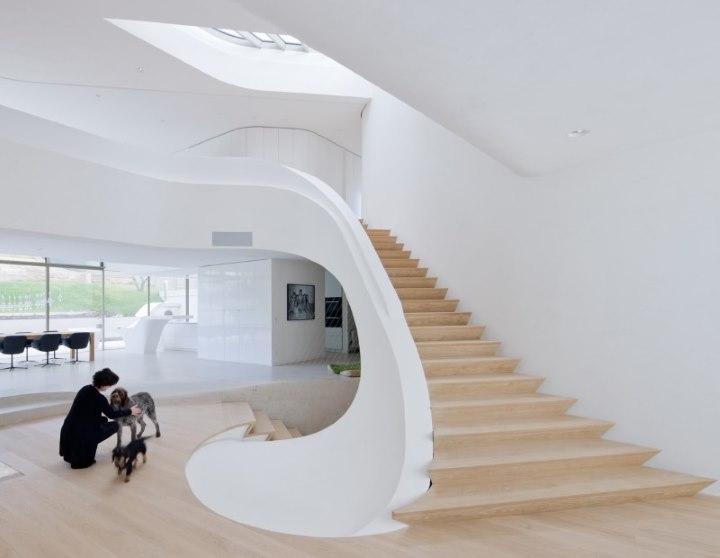 Escalier d'origine dans une maison moderne