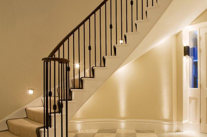 Éclairage d'escalier intérieur