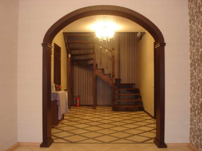 Vòm gỗ.