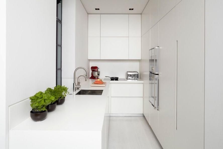 Căști cu fațetă netedă în stil minimalist