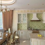 تصميم المطبخ مع الستائر البني.