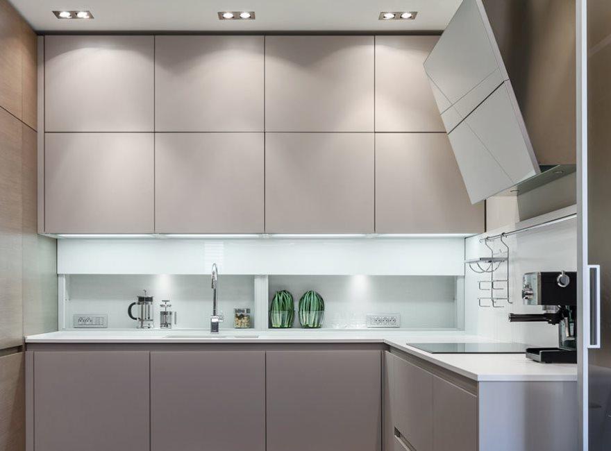 Bucătărie modernă, cu fațade fără mână