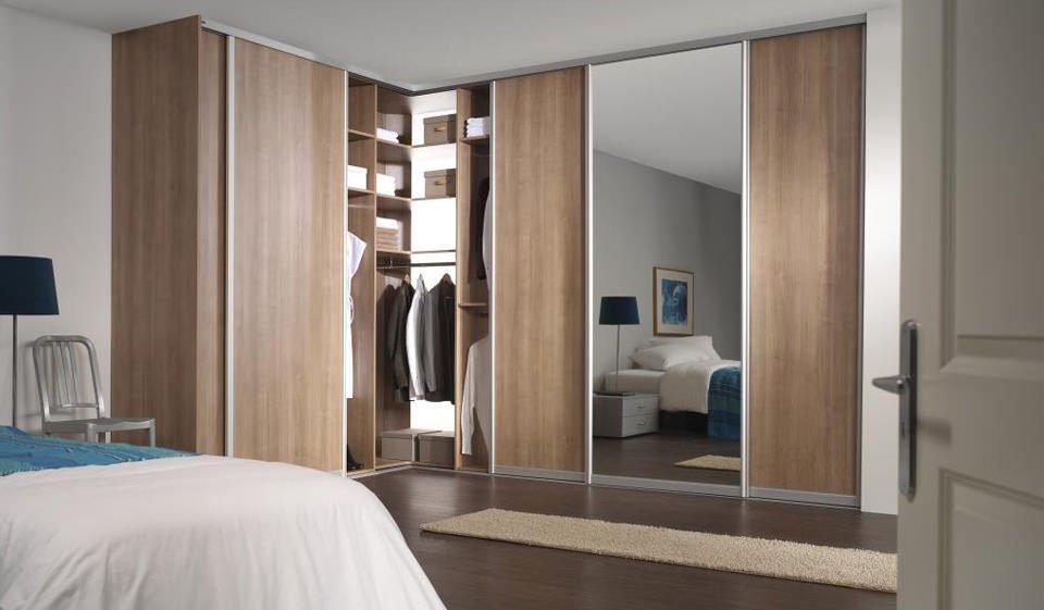 armoire d'angle pour une chambre