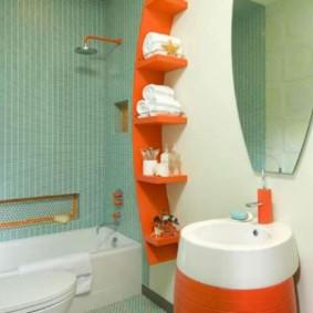 Étagère orange pour articles de toilette