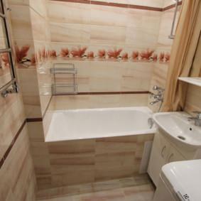 Thanh treo khăn nóng trên tường trong phòng tắm