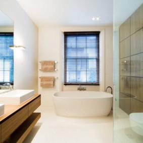 Bồn tắm acrylic trong nhà riêng