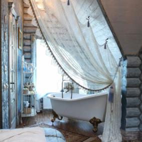 Rèm sáng trong phòng tắm cabin
