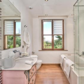 Thiết kế phòng tắm có cửa sổ