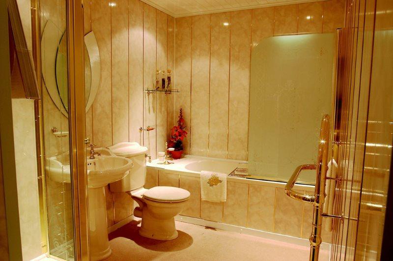 Trang trí phòng tắm phong cách cổ điển với các tấm nhựa