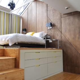 chambre-salon 18 m² avec un podium