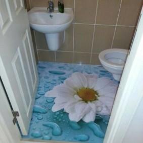 plancher en vrac dans les toilettes d'un appartement dans une maison préfabriquée