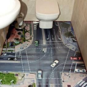 Plancher avec impression photo dans les toilettes de Khrouchtchev