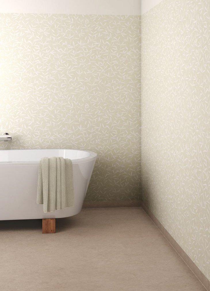 Plancher neutre dans une salle de bain moderne