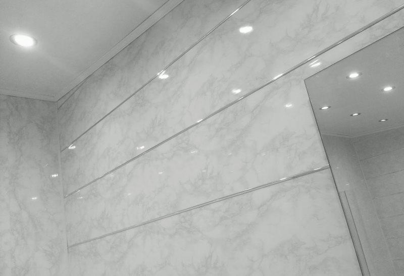Tấm ngang của tường phòng tắm với tấm PVC