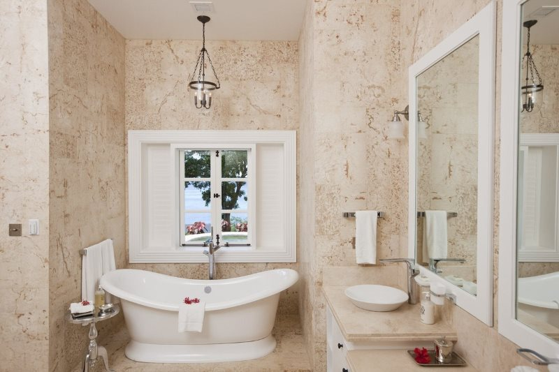 Trang trí tường phòng tắm bằng màu pastel