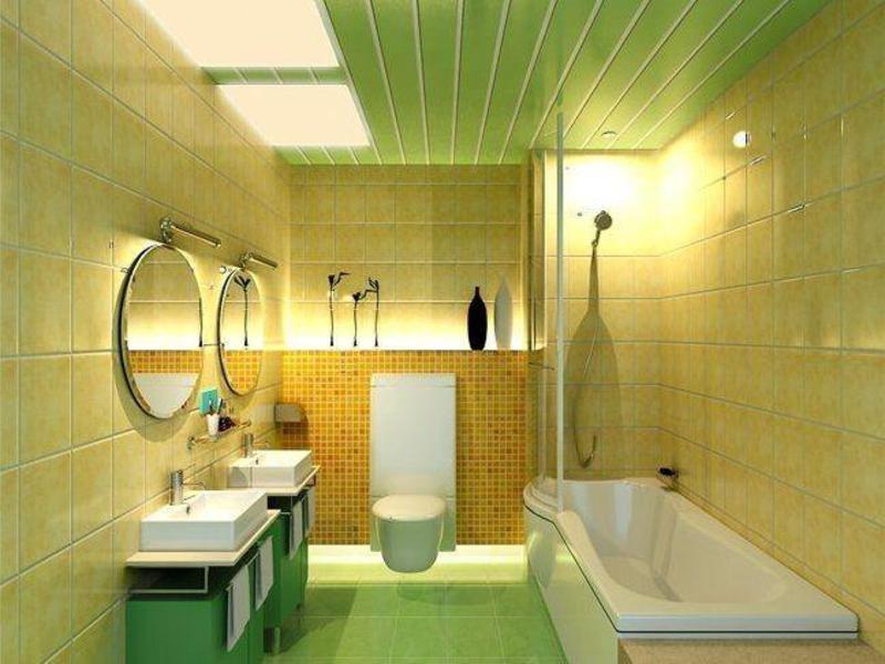 Tấm PVC màu xanh nhạt trên trần của một phòng tắm hiện đại