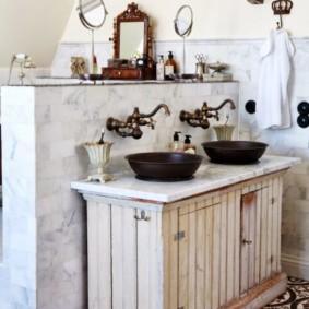 Đồ nội thất hiếm trong nội thất phòng tắm