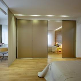 armoire encastrée pour la chambre