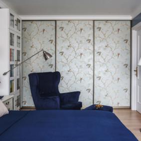 armoire pour une chambre avec un motif