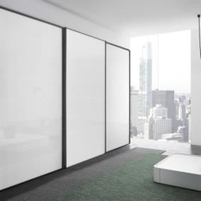 armoire pour une chambre dans le mur