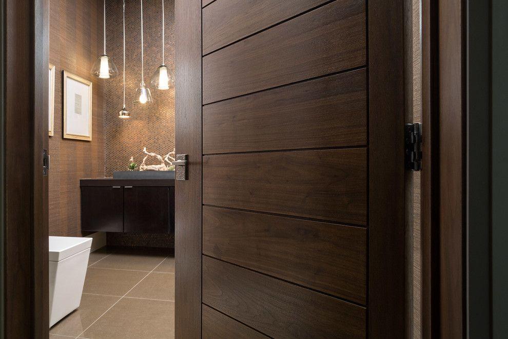 Porte de salle de bain marron