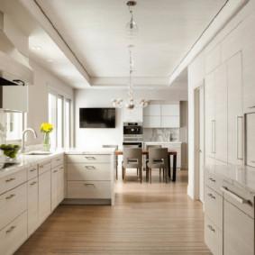 تضييق غرفة المعيشة المطبخ في منزل خاص