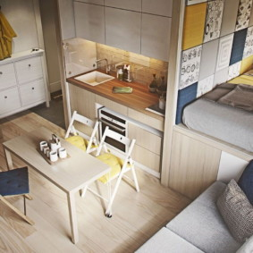 Groupe de salle à manger avec des meubles en bois