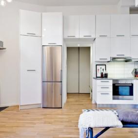 Armoire de cuisine avec placards hauts