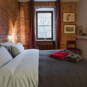 Mur de briques à l'intérieur de la chambre