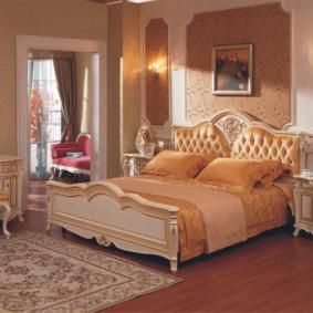 Tapis persan sur un plancher en bois