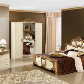 Mobilier en bois pour une chambre classique