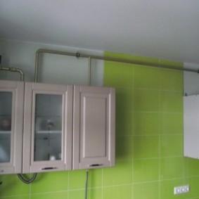 comment cacher un tuyau de gaz dans le décor de la cuisine