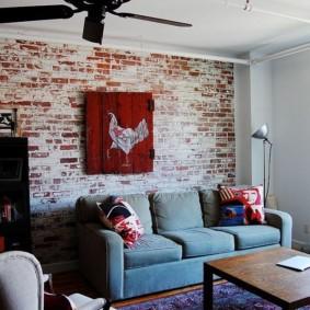 mur de briques dans les idées de décoration de salon