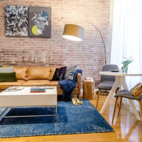 mur de briques dans le salon idées photo
