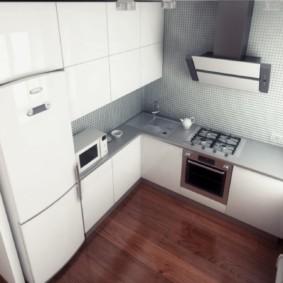 Réfrigérateur à deux compartiments dans la cuisine