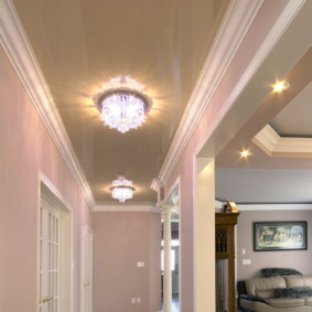 plafond tendu dans le décor photo du couloir
