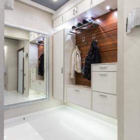 plafond tendu dans les idées de décoration de couloir