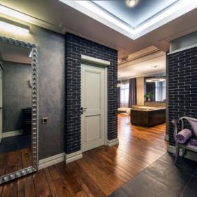 couloir dans un appartement dans une maison en panneau décor photo