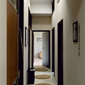 couloir dans un appartement dans une maison de panneau idées d'intérieur