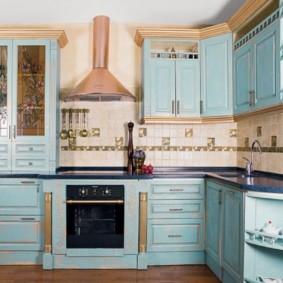 Cuisine d'angle avec façades en bois
