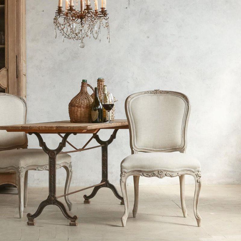 Chaise en bois de style Provence