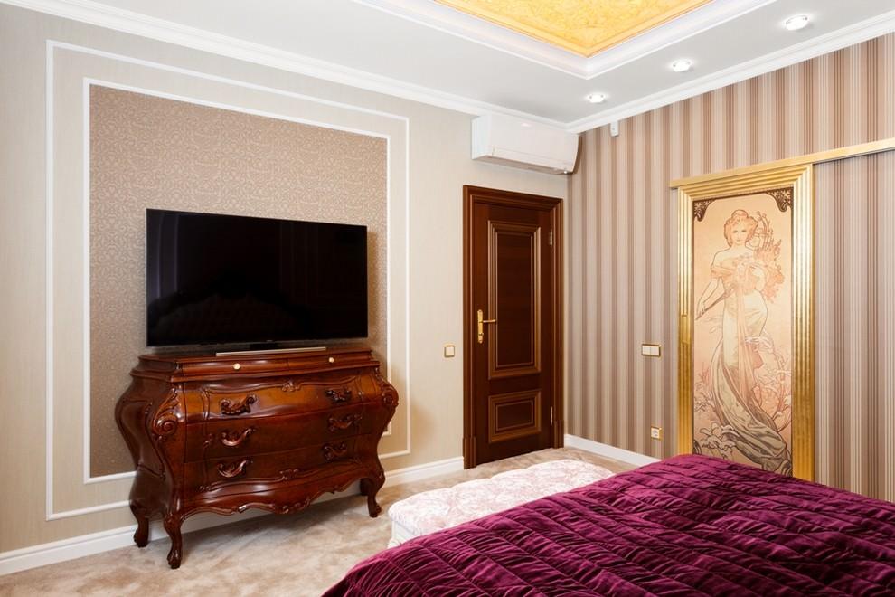 Meubles bruns dans la chambre
